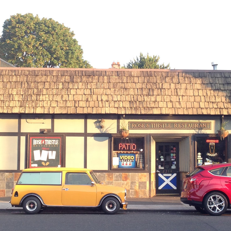 Rose and Thistle MINI Cooper on Broadway in Portland
